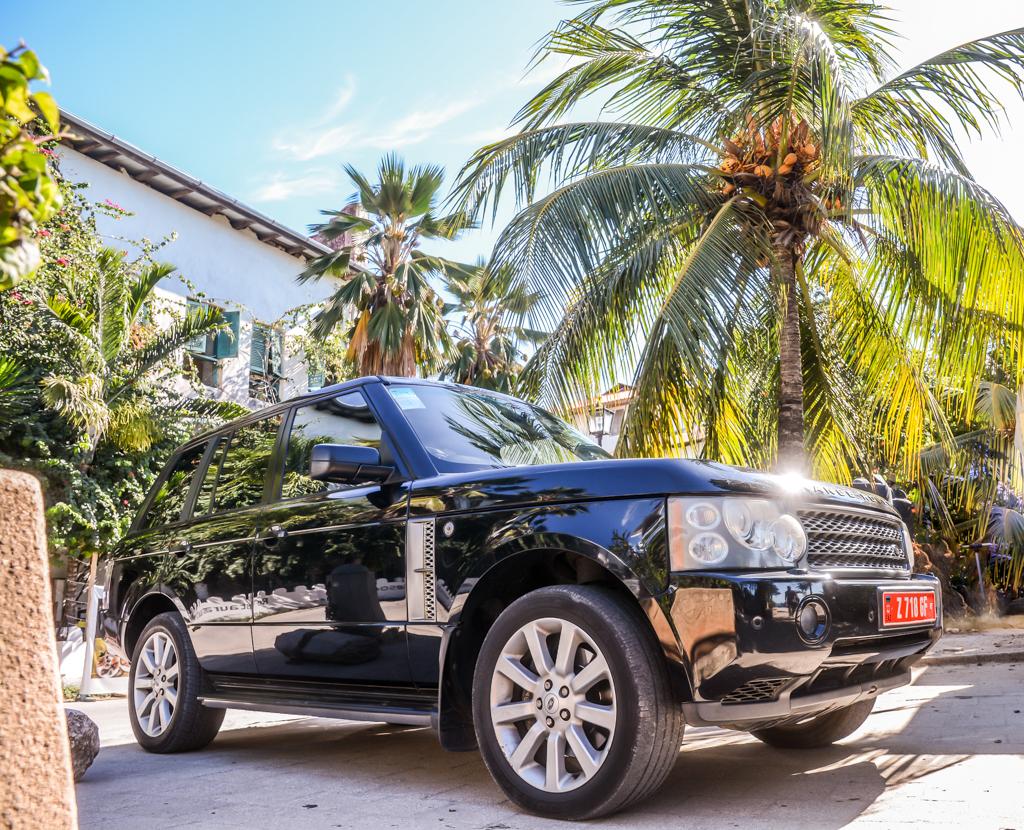 ZanTours Finest Range Rover Vogue
